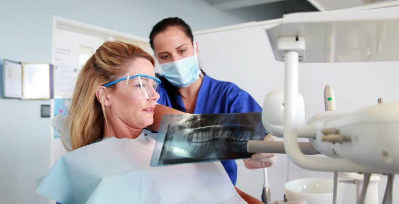 Kaip elgtis, kai jums išrovė dantį?
