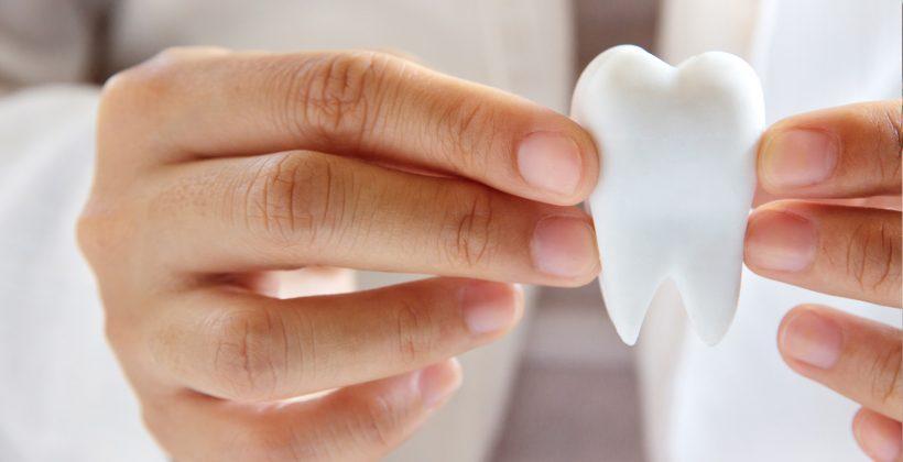 Išimamų dantų protezų naudojimo instrukcija